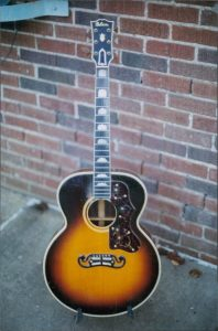 15-1938-gibson-sj-200